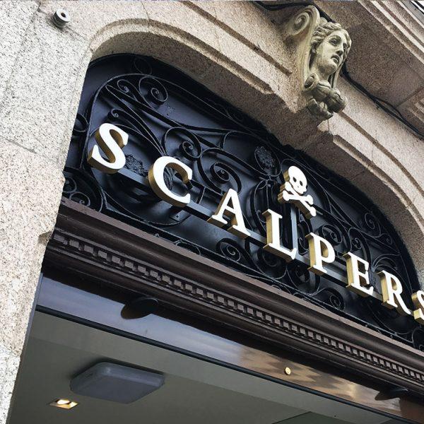 Fabricación de Letras corpóreas metálicas Scalpers Coruña